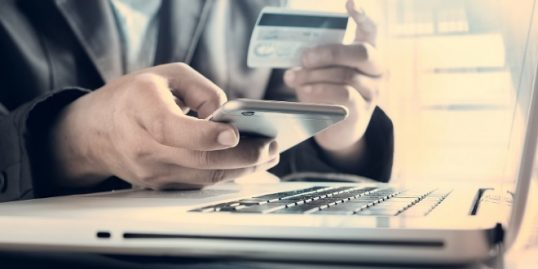 Jak bezpiecznie zaciągnąć pożyczkę online? Kilka podstawowych zasad