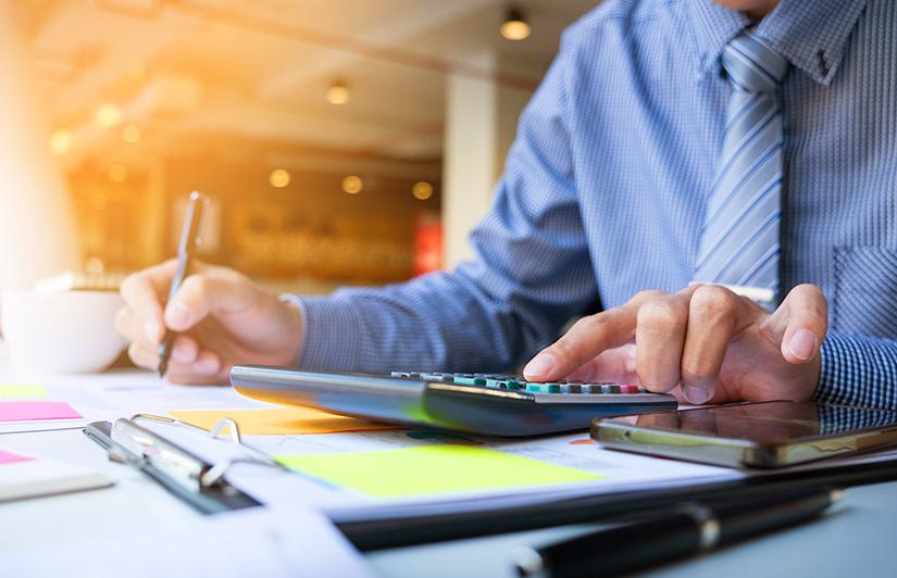 Kredyt pozabankowy. Jakie odsetki i inne opłaty są z nim związane?